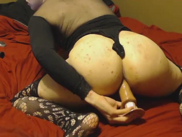 Tiny nude titys woman