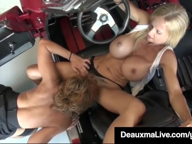 deauxma milfs like it big garage