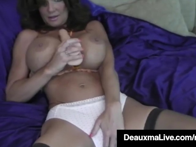 Hot Blooded Cougar Deauxma Dildo Fucks Her Pussy %26 Squirts! #1183636