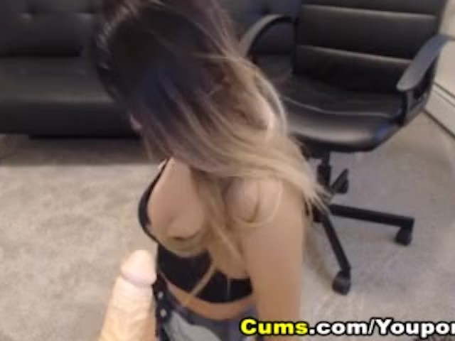 Horny Pretty Teen Babe Plays With Her Pussy
