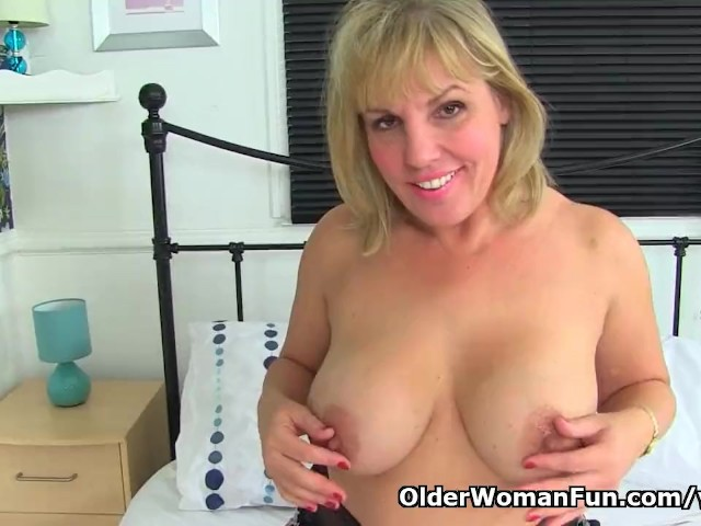 English Milf Danielle Is Ready for Naughtiness - Free Porn Videos - Cliporno