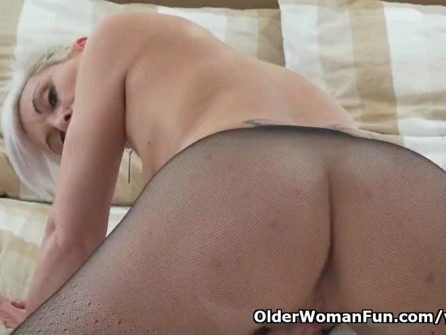 Euro milf nicol strips off and rubs her pink hole 4