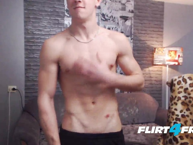 Flirt4free Model David Doc - Muscular Euro Bisexual With Nice Uncut Cock