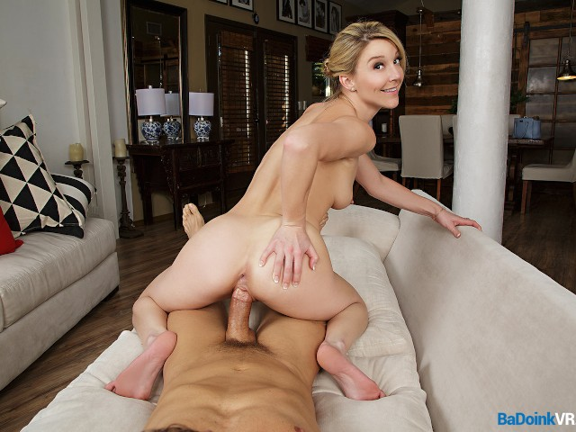 Badoinkvr.com Blonde Escort Lady Laura Bentley Has Vr Show 4u - Free Porn Videos - Cliporno