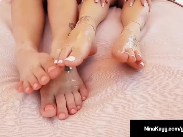 curvy star nina kayy & bbw angelina castro foot fuck dildo!