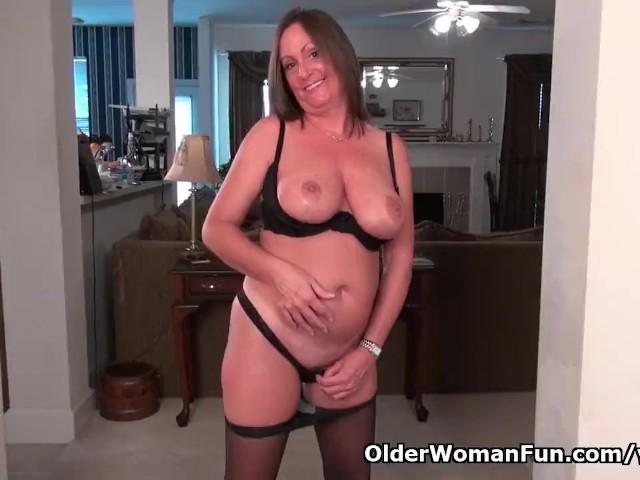 American Milf Brandi Needs a Good Rub Down - Free Porn Videos - Cliporno