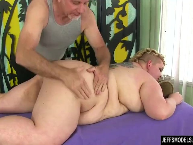 from Gary womans massaging clitorius porn