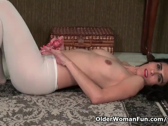 American Milf Jacqueline Can't Control Her Profound Lust