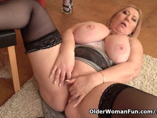 image Euro bbw milf dita works her pussy with fingers and dildo