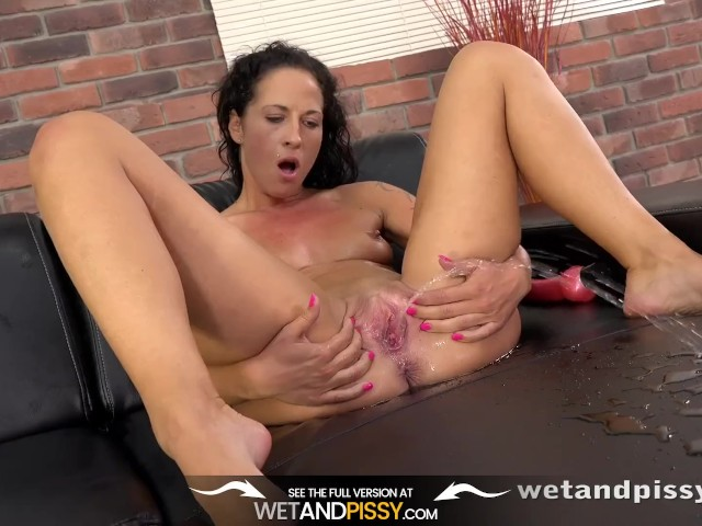 Pussy Pissing - Sexy Vanessa Twain Dives Into Her Golden Pee on the Sofa