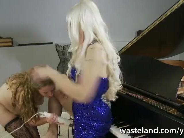 Free sexy girls masturbating