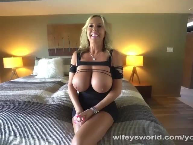 Naughty Wifey Gets a Deep Fuckin and Cum Facial