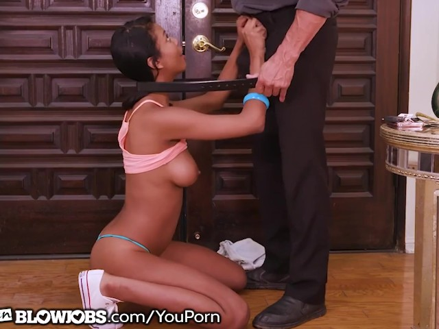 Tall Ebony Teen Cums Over to Give Hot Bj Quickie - Free Porn Videos - Cliporno
