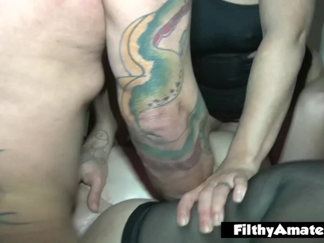 Divorced Wife Takes Part in Her First Amateur Orgy
