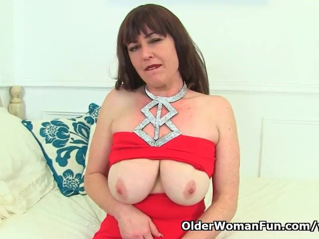 English Milf Janey Left the House Without Underwear - Free Porn Videos -  YouPorn