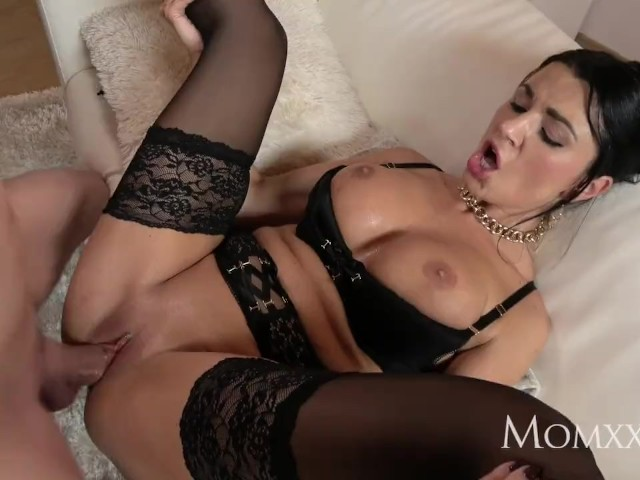 Mom Milf Sex Goddess's Squirting Orgasm