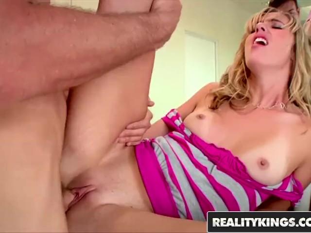 Filme Xxx Cand O Fata Cu Bucile Mari O Primeste Tare In Vagin