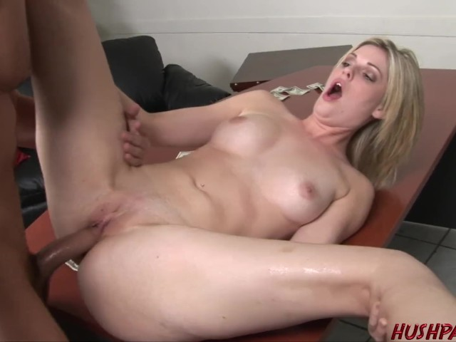 Hot Housewife Faith Gets Paid to Suck and Fuck a Stranger