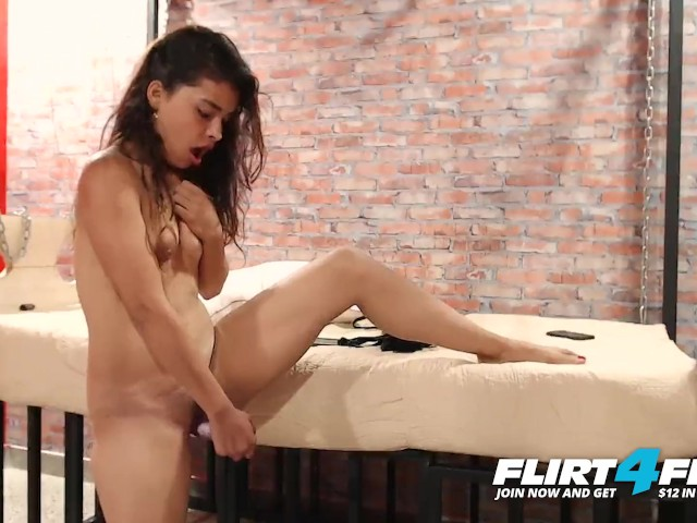 Flirt4free Model Linzy Dill - Petite Latina Play With Her Tight Perfect Little Ass