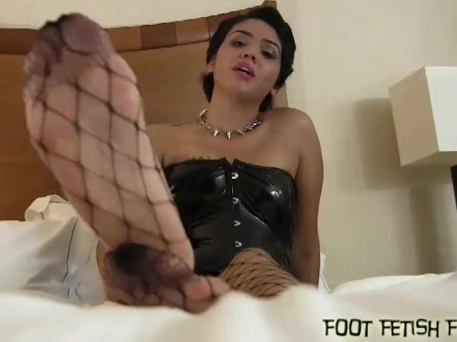 Foot Jobs and Femdom Foot Fetish Porn