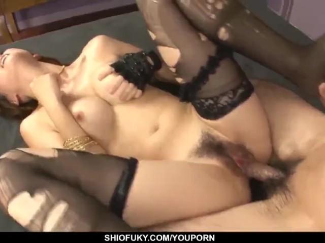 Yuki Mizuho Shows Amazing Skills in Pleasing Man With Anal - More at Pissjp.Com
