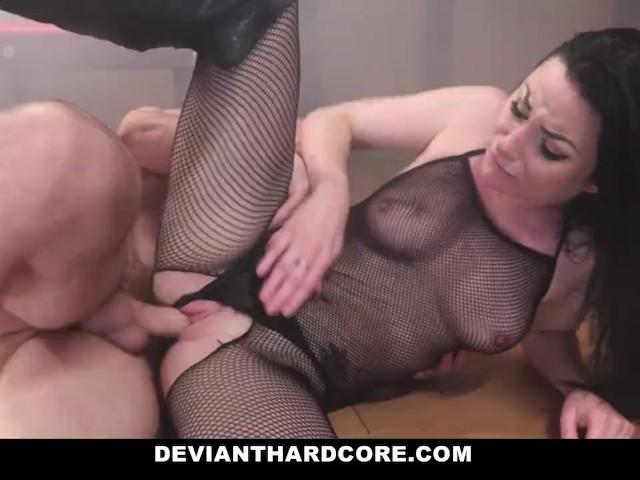 Bruneta Sexy Vrea Sa Ii Folosesti Pizda Mica Cat Mai Mult
