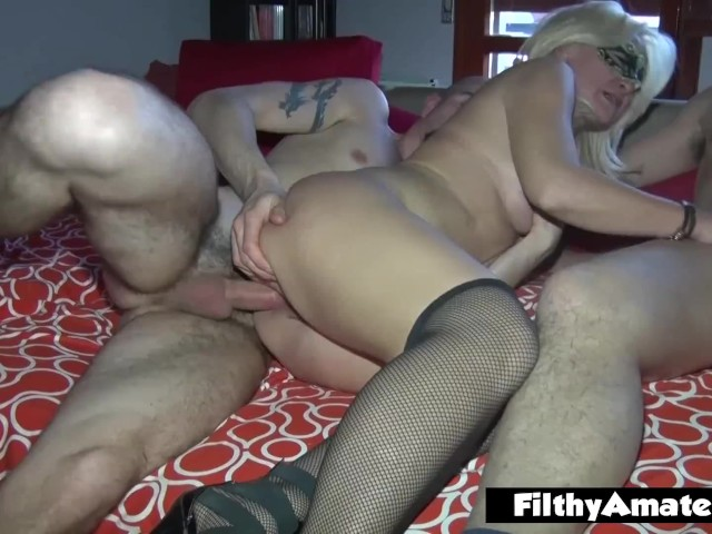 vrhush sexy christmas foursome with three sexy babes