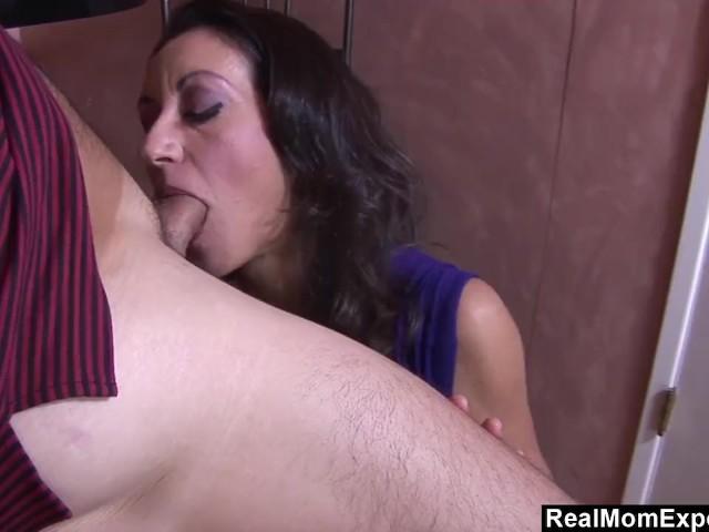 busty arab mom blows and fucks the bartender