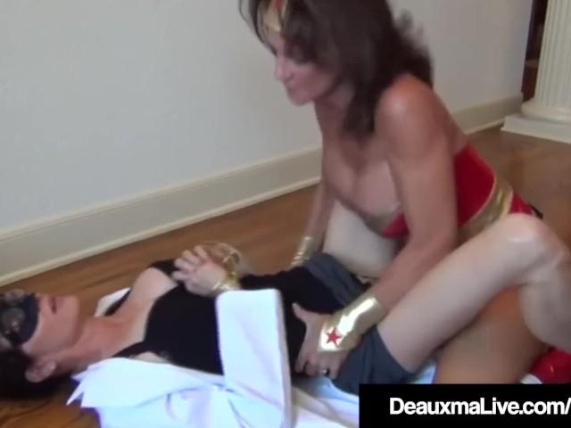 Dynamic Cougar Deauxma Fucks Sexy Scientist Dr. Focker!
