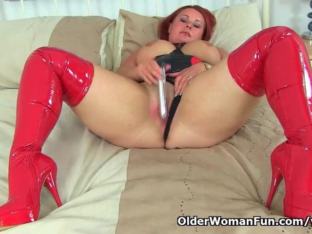 Uk Milf Diamond Wears Red Boots and Fucks a Dildo