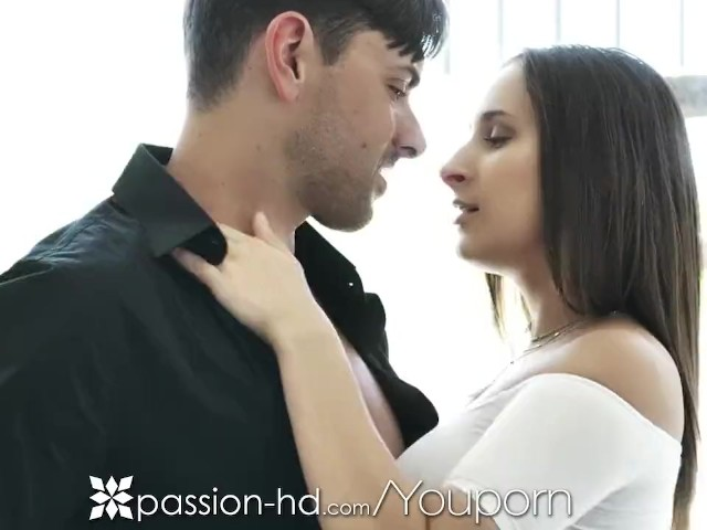 Passion-hd Real Estate Agent Fucks Potential Buyer