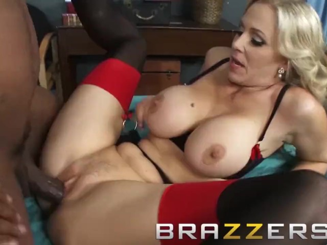 Brazzers - Dirty Blonde Doctor Julia Ann Wants Some Bbc in Her Ass