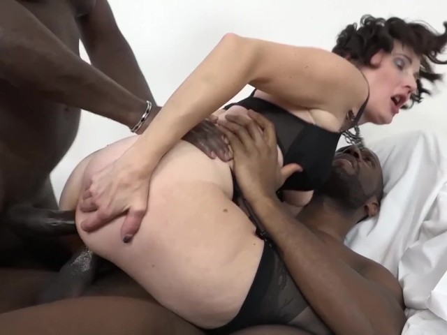 Interracial Fuck for Granny That Wants Anal Sex and Pussy Fingering - Free  Porn Videos - YouPorn