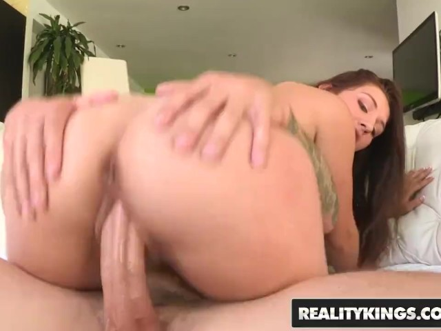 Reality Kings - Cute Teen Ariana Grand Love Huge Cocks in Her Tight Pussy