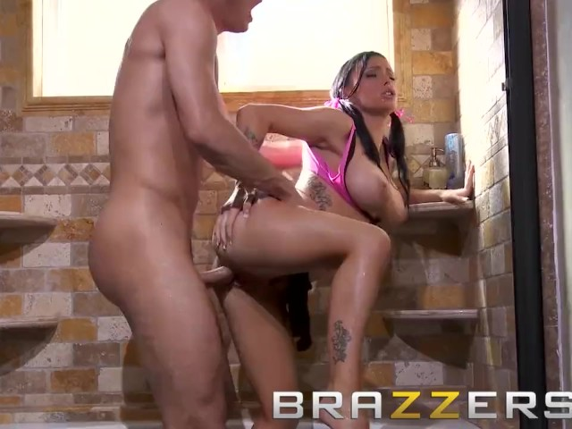 Brazzers - Slutty Cheerleader Jenna Presley Gets Fucked on the Bathroom Floor