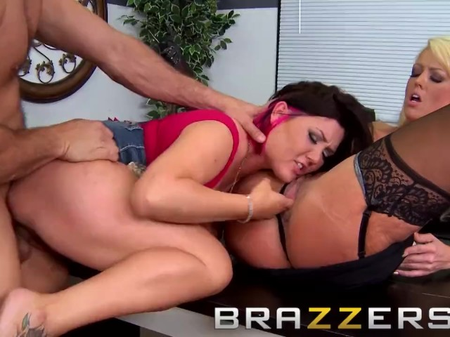 Brazzers - Doctor and Assistant Share Cock- Alura Jenson & Claire Dames