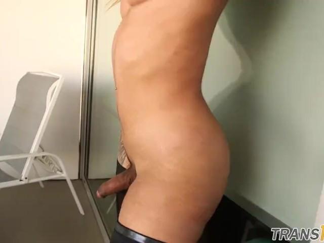 tattooed babe tranny strokes hard dick