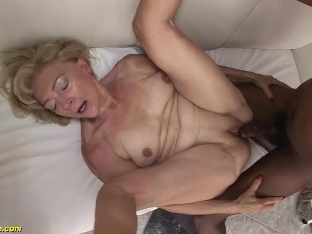 71 Years Old Grannies First Bbc Interracial - Vidos Porno -6154