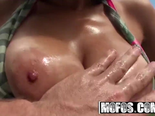 Mofos - Naughty Latina Teen Nadia Lopez Rather Fuck Than Tan