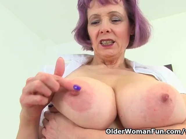 English Milf Tigger Plays With Her Big Tits And Pink Fanny -7917