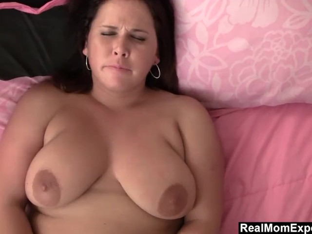 Chubby Milf Rubbing It for the Camera