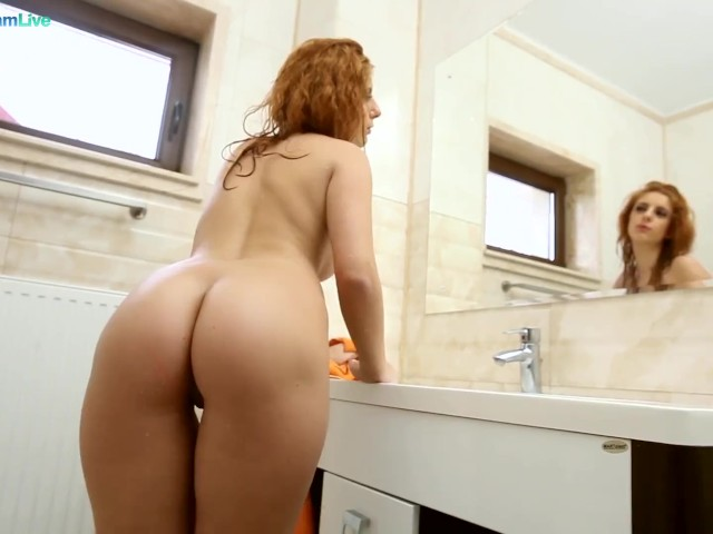 Sarah Palmer and Dominic Ross in Hot Shower Sex