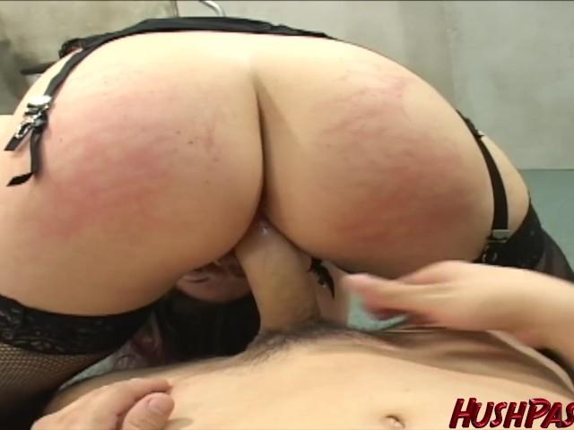 Pawg Caroline Pierce Bounces on a Cock