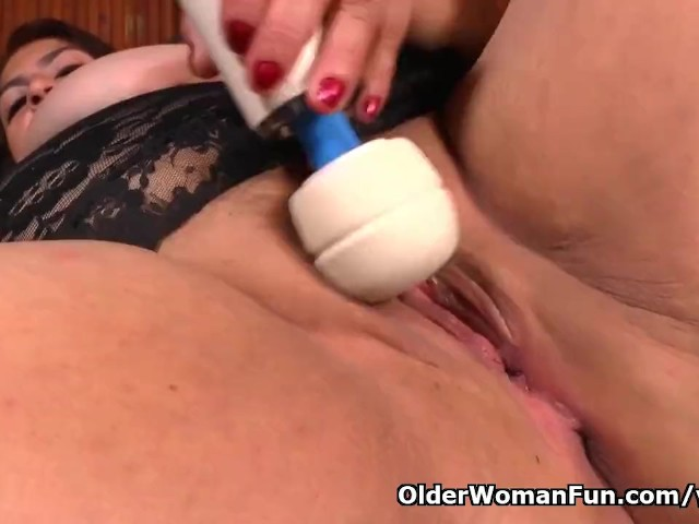 Latina Bbw Carmen Gets Busy With a Massager