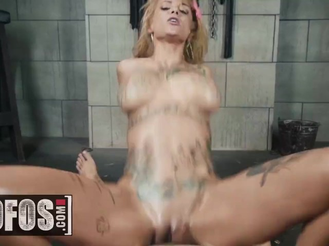 Mofos - Alt Teen Bonnie Rotten Squirts in Her Sex Dungeon