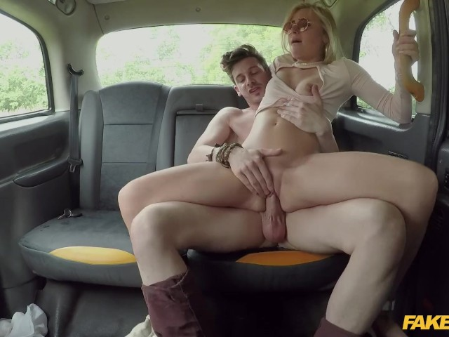 Fake Taxi Horny Couple Hire The Taxi For Sex - Free Porn -6879