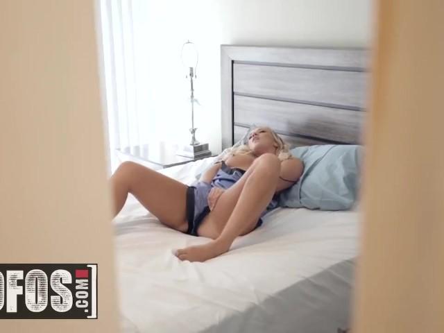 Mofos - Hot Blonde Bailey Brooke Fuckes Her Brothers Bf, Tara Ashley