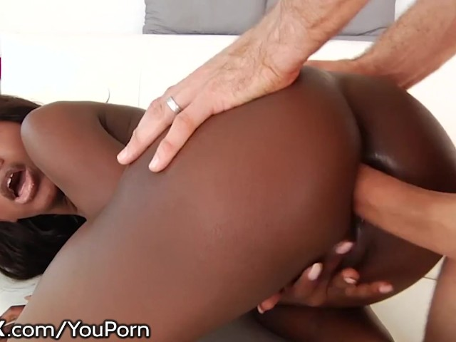 Hardx Ebony Teen Takes a Big White Cock Up Her Bubbly Ass!