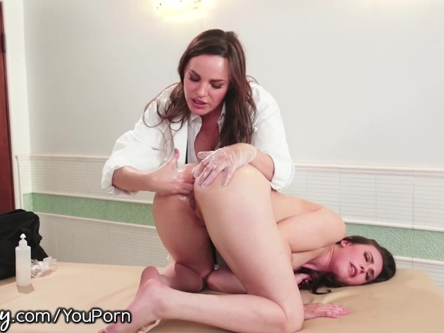 Girlsway Dr. Dearmond Gives Casey Calvert Orgasmic Rectal Exam!