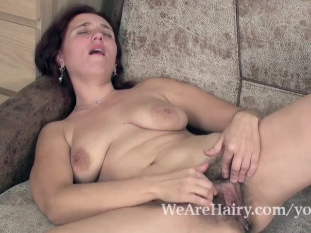Kittyfall Has Fun Masturbating on Her Couch